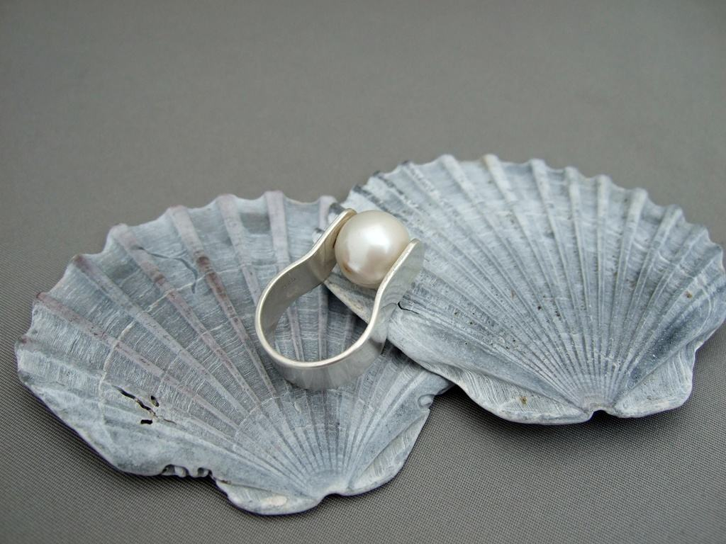 Kasumi Pearl and Sterling Silver Ring
