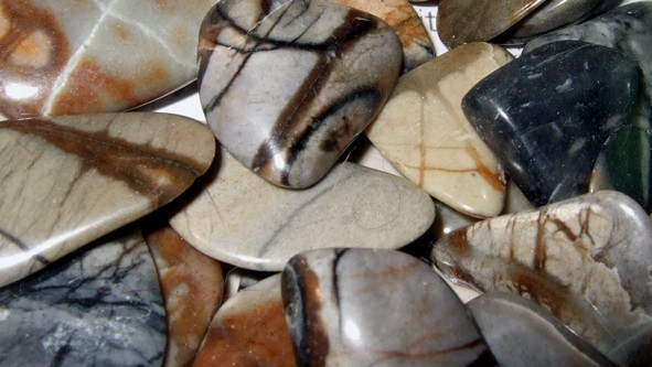 Picasso Marble Polished Pebbles