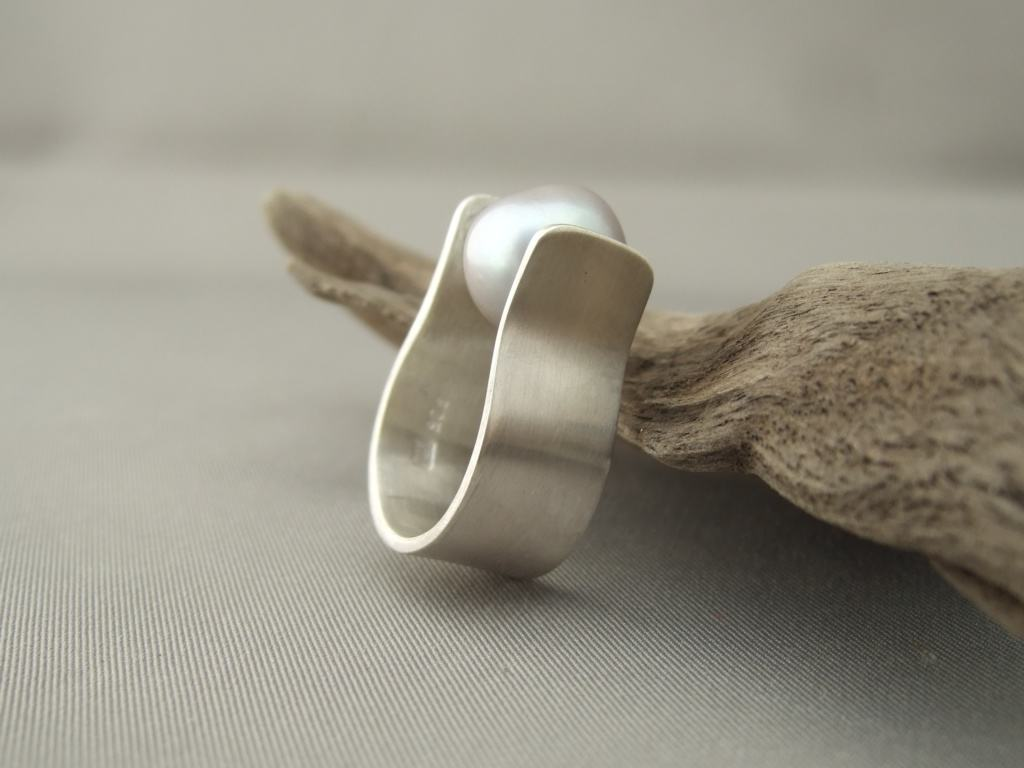 Grey Pearl and Sterling Silver Ring