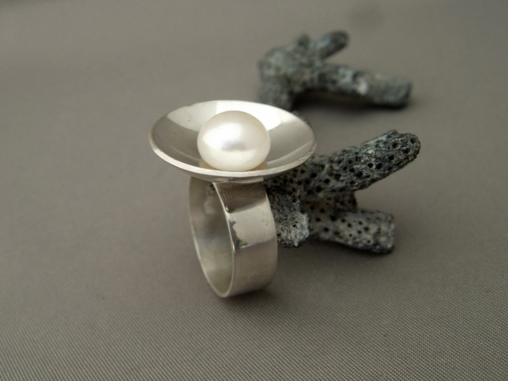 Sterling Silver and Freshwater Pearl Dish Ring