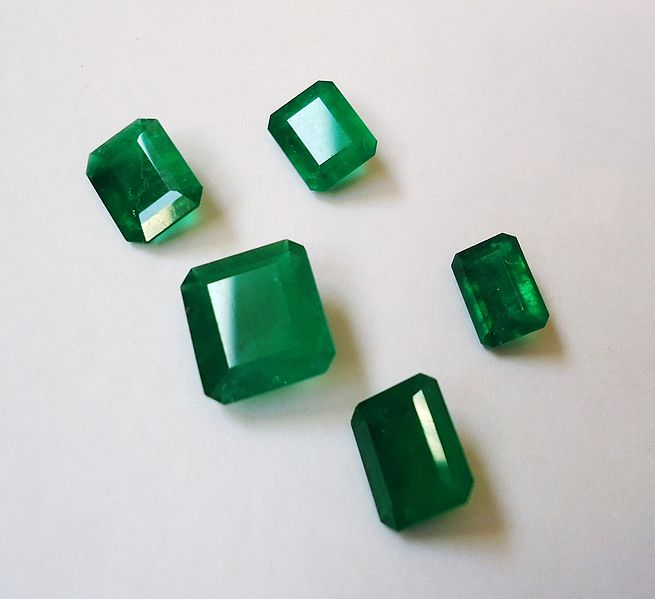 Emeralds are commonly oiled (photo credit Mauro Cateb)
