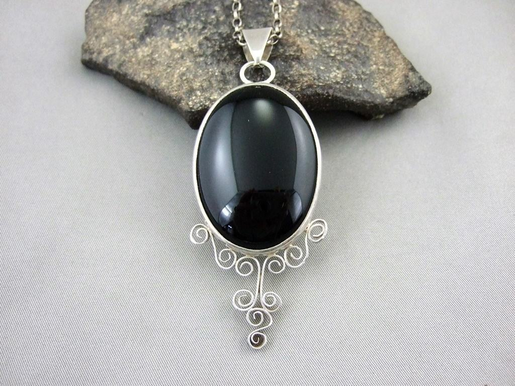 Black Onyx and Sterling Silver 'Schnoerkel' Pendant