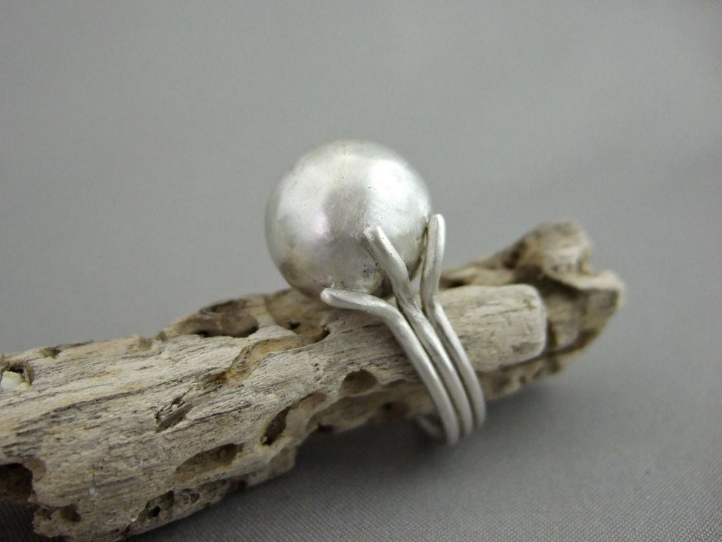Ball and Tentacle Ring