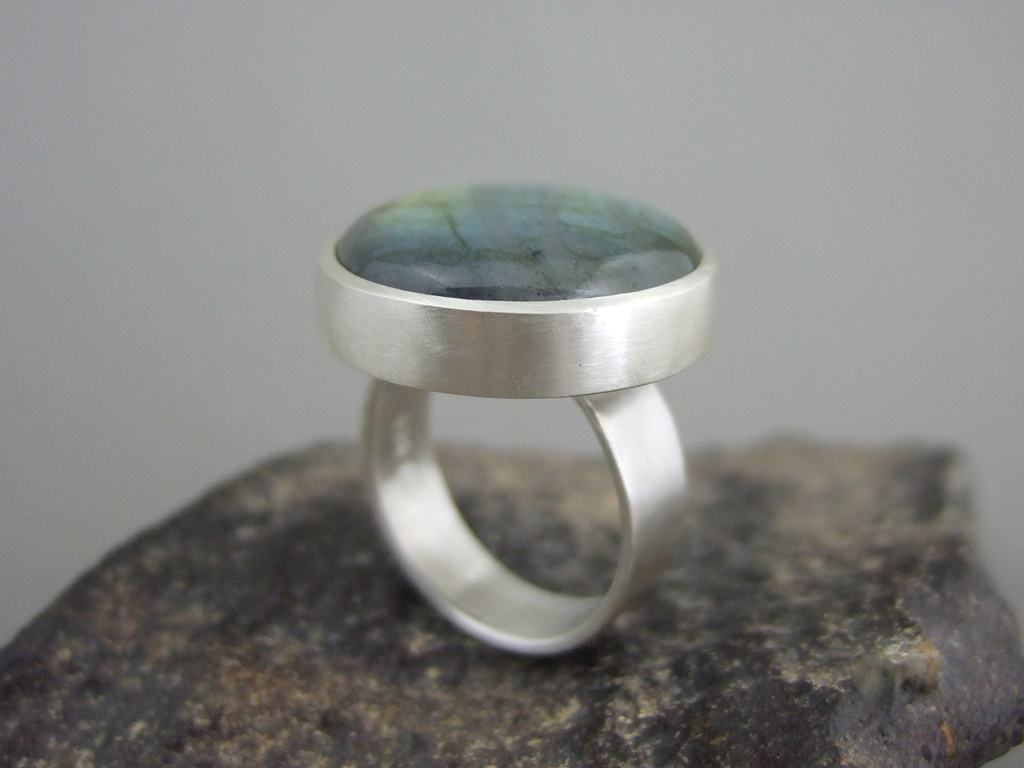 Round Labradorite and Sterling Silver Ring