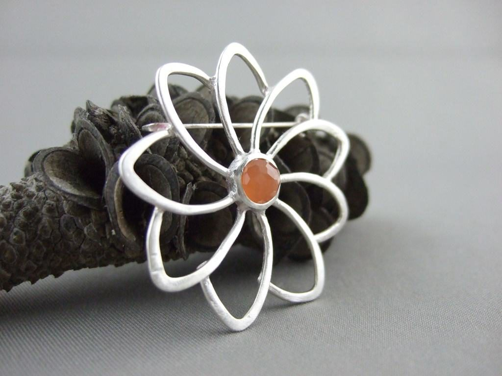 Peach Moonstone and Sterling Silver Flower Brooch